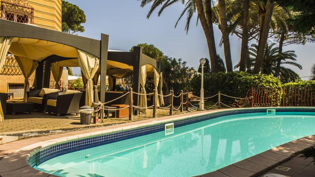 Swimming-Pool-24