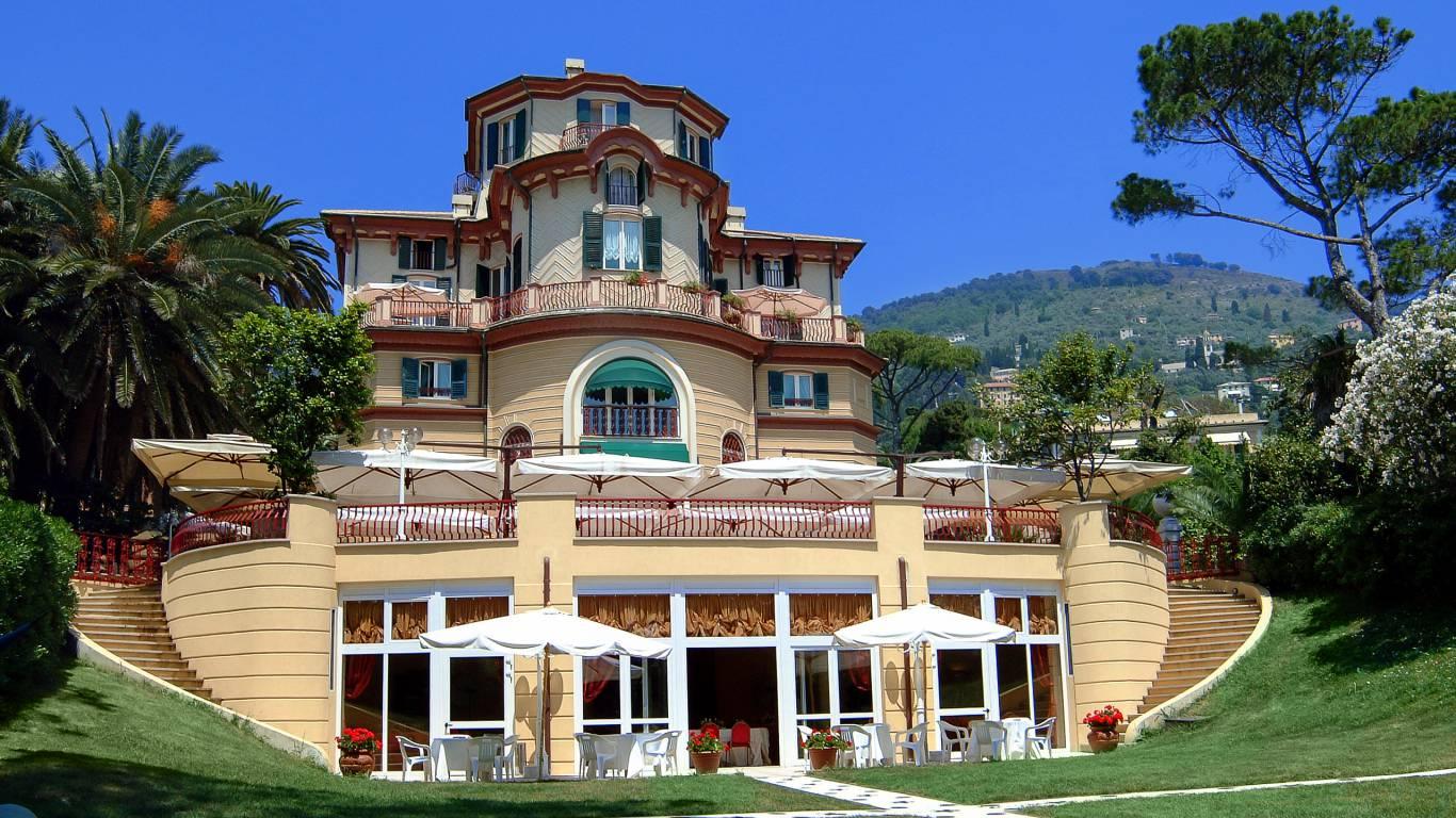 hotel-villa-pagoda-genova-nervi-the-villa